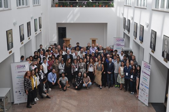 Christina Bornberg in the group picture of SSIMA 2019.